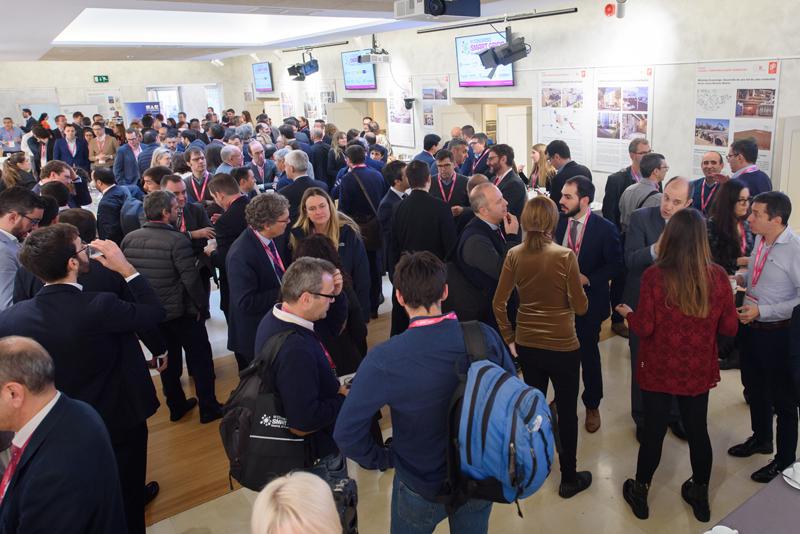 Sala de exposiciones y networking del VI Congreso Smart Grids.