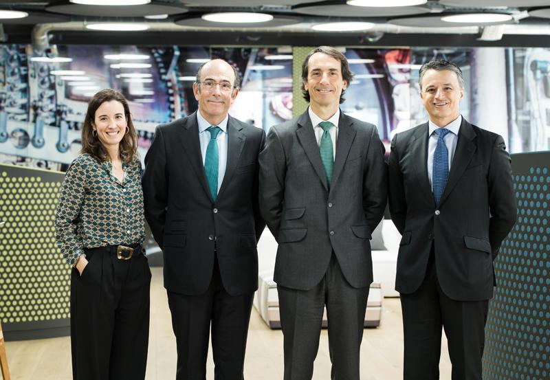 María González de Apodaca (directora de Estrategia y Desarrollo Corporativo, Alantra), Marcelino Oreja (CEO, Enagás), Jacobo Llanza (CEO de Asset Management, Alantra) y Fernando Impuesto (director general de Enagás Emprende).
