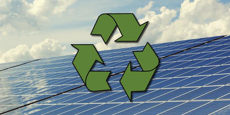 Placa fotovoltaica y logo
