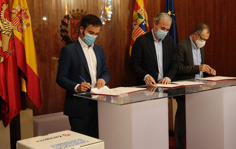 Firma del acuerdo entre las tres partes