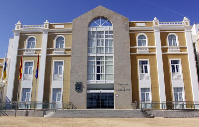 Fachada del edificio del Cabildo de Lanzarote