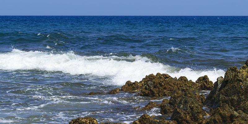 estrategia marítima renovada para fomentar una economía azul sostenible y el Acuerdo Verde de la UE