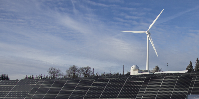 imagen de renovables, eolica y fotovoltaica