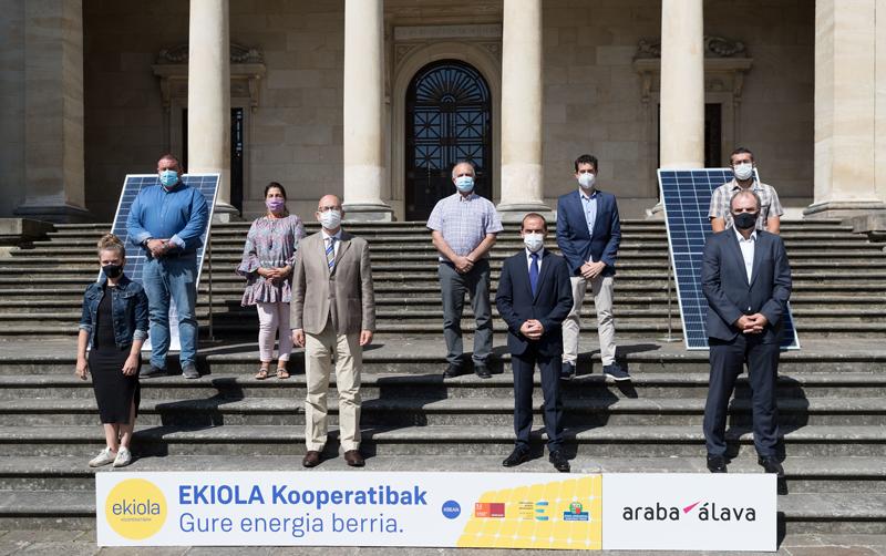 Seis cuadrillas de Álava se comprometen con el proyecto Ekiola para desarrollar cooperativas energéticas