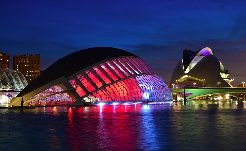 Iluminación de Valencia por la noche
